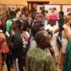 Une exposition photos des artistes plasticiens béninois met en exergue le rôle de la femme dans le développement au Bénin