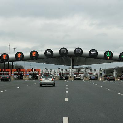 Gare peage autoroute