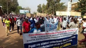 Education : le Burkina Faso pourra-t-il échapper à une année blanche?