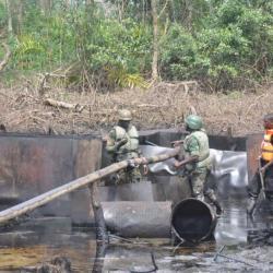 Nigeria : arrestation de 4 étrangers soupçonnés de vol de pétrole