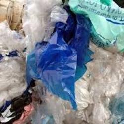 L'Afrique du Sud met en avant la lutte contre les sacs en plastique à l'occasion de la journée mondiale de l'environnement