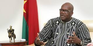 Burkina Faso: les attaques contre les confessions religieuses visent à fragiliser le vivre-ensemble (président Kaboré)