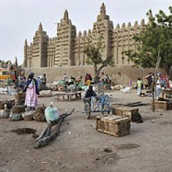 Le marché et la grande mosquée(Djénné Mali)