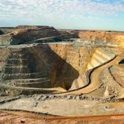 Burkina Faso : les installations d'une mine d'or attaquées sur fond de polémiques à propos de la répartition des richesses