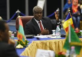 Le président de la Commission de l'Union africaine condamne le massacre de plus de 130 civils au Mali