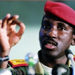 Burkina Faso : la levée en France du secret-défense sur les archives du dossier de l'ancien président burkinabè Thomas Sankara saluée par sa veuve