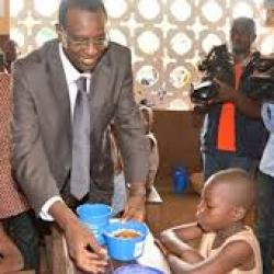 Le Bénin lance un nouveau programme national d'alimentation scolaire en vue d'améliorer le taux de scolarisation