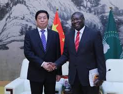 Le plus haut législateur chinois rencontre le vice-président de la Commission de l'Union africaine