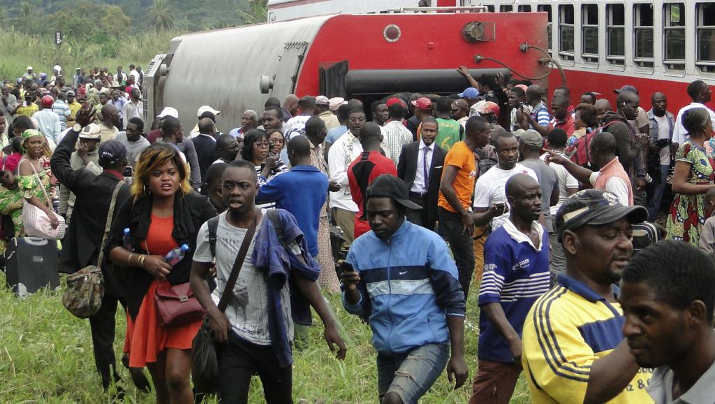 Train cameroun accident ravin 0