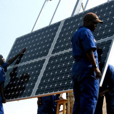Training workers to install solar panels at health clinics in rwanda provides clean energy min