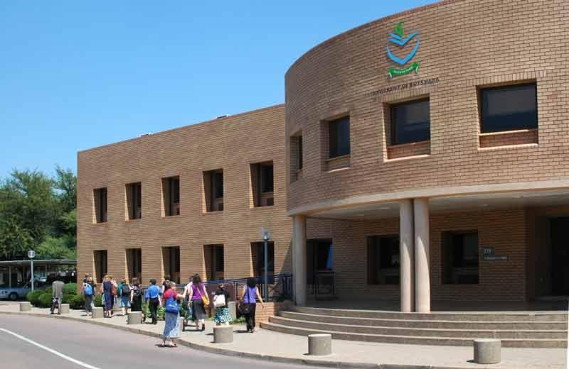 L'Université du Botswana développe des logiciels sur les données du COVID-19